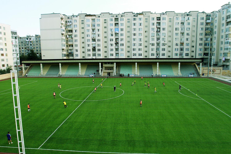 azerbaycan serhatci nizami futbol sahasi 1
