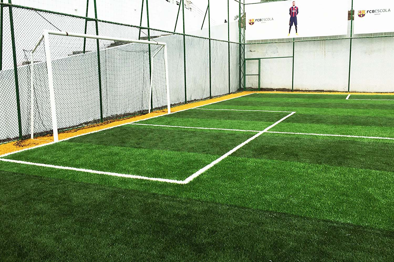 fas barcelona futbol okulu acik futbol sahasi 2